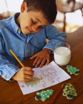 un-bambino-scrive-una-let_4b17f5fa76c23-p